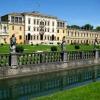 """28 Aprile 2013: Villa Contarini. La Confraternita con uno stand gastronomico all'apertura della rassegna """"sculture in acqua e in piazza"""" a Piazzola sul Brenta"""